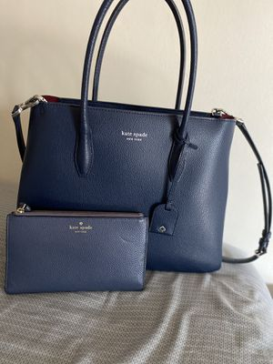 Kate Spade purse with wallet for Sale in Aurora, IL