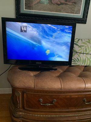 """Samsung 32"""" TV for Sale in Seminole, FL"""