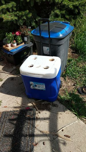 Igloo 60 gt ice chest for Sale in Lancaster, WI