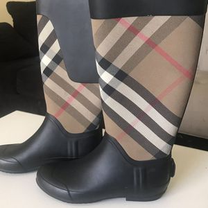Burberry Rain Boots Size 7 for Sale in Salinas, CA