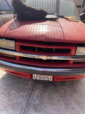 Chevy Blazer 4D 2000 for Sale in Los Angeles, CA