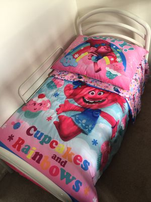 Toddler bed with mattress for Sale in Manassas, VA