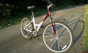 "Columbia Northway FE Step-through White 26"" Bike-Like-New Condition! for Sale in Smyrna, GA"