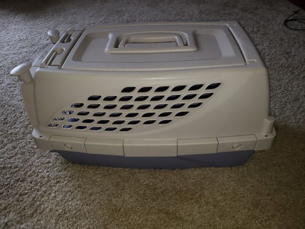 Pet carrier airline approved. Brand N2N