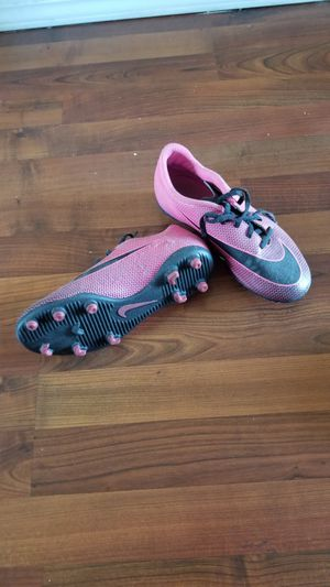nike women's pink shoes for Sale in Chula Vista, CA