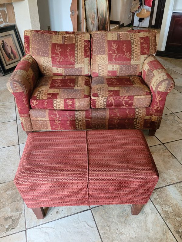 Love seat with matching foot rest