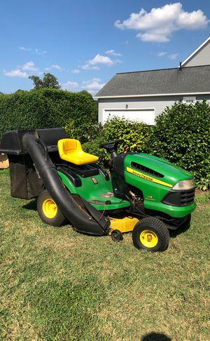 John Deere 42in Tractor w bagging system for Sale in Suffolk, VA