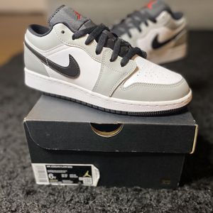 Jordan 1 Low Light Smoke for Sale in Henderson, NV