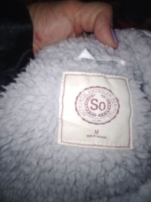 Ladies white vest med for Sale in Fort Worth, TX