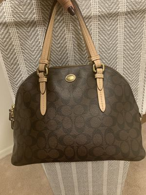 Coach Purse with wallet for Sale in Tolleson, AZ
