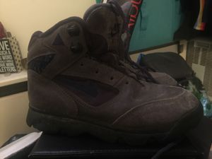 Womens Nike Trail Hiking Boots Size 6 for Sale in Salt Lake City, UT