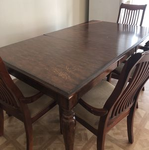 Kitchen/ dining room table ( MOVE OUT SALE) for Sale in Kissimmee, FL