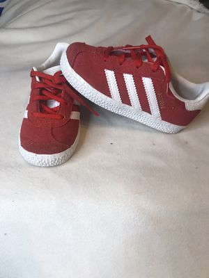 Toddler Adidas sneakers sz 8c for Sale in Rochester, NY