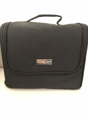 Makeup carrying case for Sale in Providence, RI