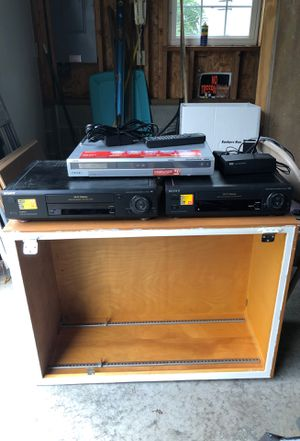 To Sony VCR and a Sony DVD rewire recorder 25 bucks or best offer for Sale in Mechanicsburg, PA