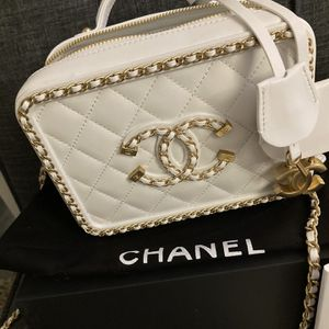 Chanel Vanity Small for Sale in Lynwood, CA