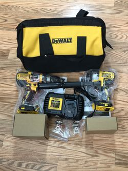 DeWalt 20-Volt MAX Cordless Brushless Hammer Drill/Driver Combo Kit with FLEXVOLT ADVANTAGE. for Sale in Happy Valley,  OR
