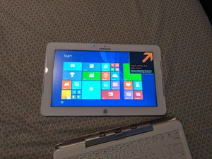 Samsung 500t 2 in one windows tablet and laptop for Sale in Hampton, GA