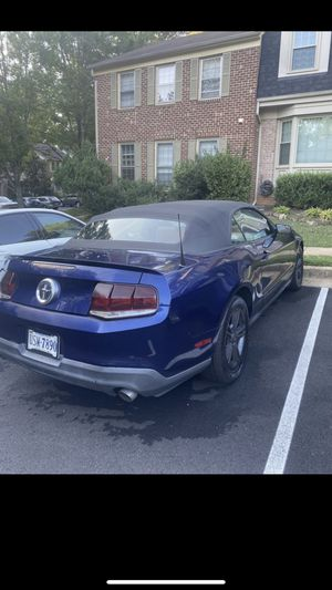 2011 mustang convertible for Sale in Washington, DC