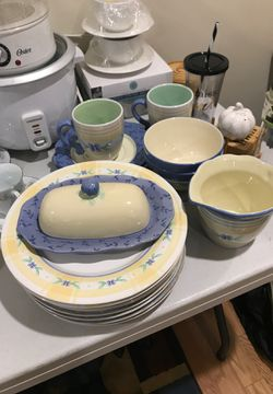 Dish set for Sale in Alexandria,  VA