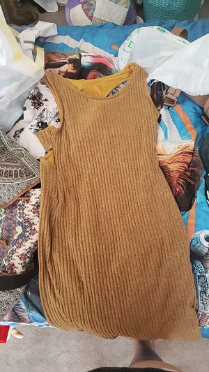 Yellow skinny dress for Sale in Las Vegas, NV