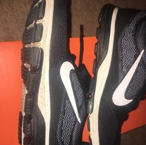 Nike Zoom Fly 2 Sneakers Black and White Size 8 for Sale in Myrtle Beach, SC