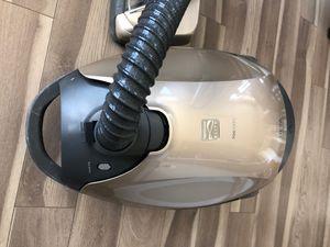 Sears Elite 700 Series Vacuum for Sale in Bethesda, MD