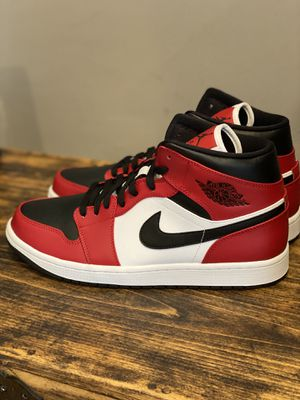 Jordan retro 1-Chicago toe mids-new w receipt for Sale in Easton, MA