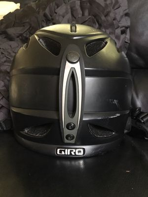 Black GIRO cycling helmet pickup only little chute for Sale in Kimberly, WI