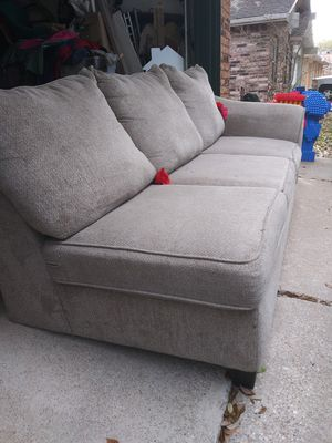Still in very good condition couch for Sale in Grand Prairie, TX