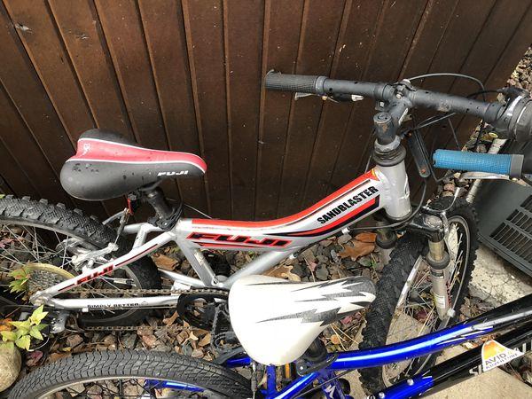 Kids bikes-Fuji and specialized