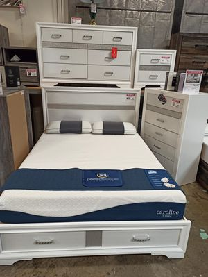 4 PC Bedroom Set (Queen Bed, Dresser Mirror and Nightstand), White for Sale in Norwalk, CA