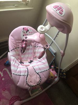 Minnie Mouse Swing and Bathtub for Sale in Detroit, MI
