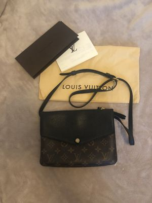 Louis Vuitton bag Authentic for Sale in Orlando, FL