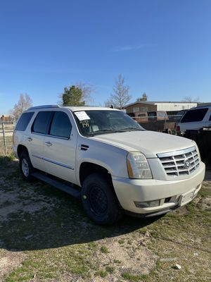2013 Cadillac Escalade Transmission only for Sale in Pasadena, CA
