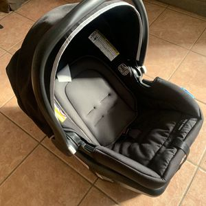 Graco Baby Car Seat for Sale in La Mesa, CA