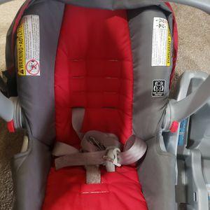 Graco Car Seat With Base for Sale in Alpharetta, GA