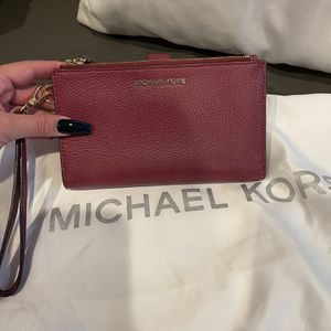 Michael Kors Wallet (read Description) for Sale in Hollywood, FL