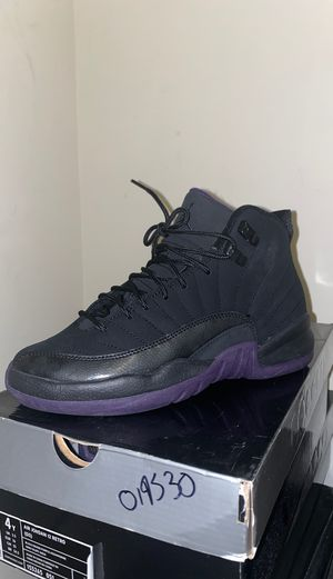Jordan Retro 12, size 4y for Sale in Tampa, FL