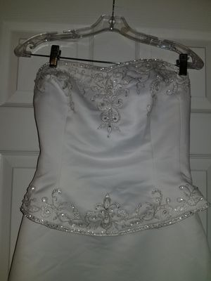 IG SALE Wedding dress with detachable skirt reg price $987.00 size 12 for Sale in Greenville, NC