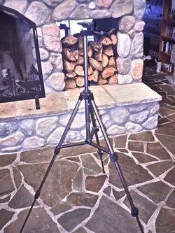Small Light-duty Camera Tripod for Sale in North Bend,  WA