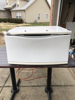 Kenmore Dryer/washer stand for Sale in Gallatin, TN