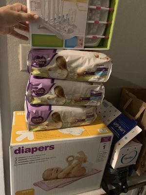 diapers and bottle holders for Sale in North Las Vegas, NV