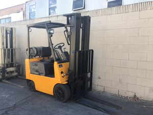 Very small forklift baby Low hours CAT FORKLIFT for Sale in Los Angeles, CA