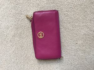 Pink Michael Kors Wallet women's for Sale in Snohomish, WA