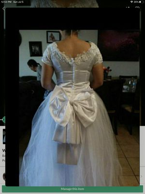 Wedding dress and veil for Sale in Bakersfield, CA