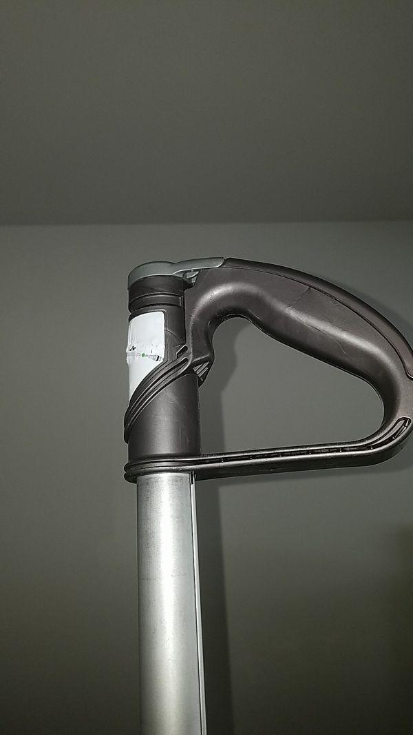 Dyson dc 24 vacuum cleaner!!/ Ablo Espanol