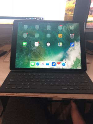 "iPad Pro 12.9"" 256GB Cellular + WiFi - Space Gray for Sale in Nashville, TN"