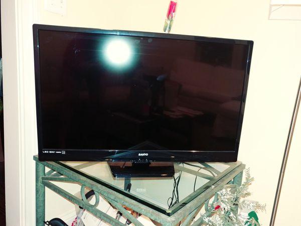 """32"""" TV (not smart)"""