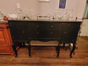 Antique buffet table for Sale in Tampa, FL